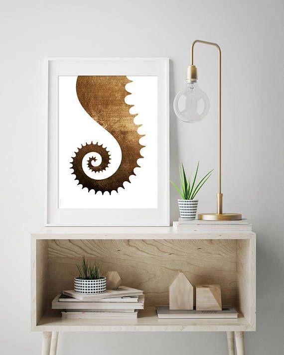 Seahorse tail  print