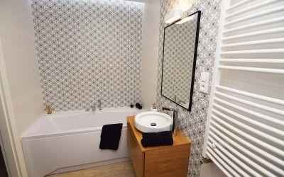 Aranżacja łazienki dla mieszkania pokazowego Mobiliani Design w Bydgoszczy wg projektu http://mobilianidesign.pl/projektowanie-wnetrz/projekt-wnetrza-mieszkania-pokazowego-przy-ul-slonecznej-w-bydgoszczy/