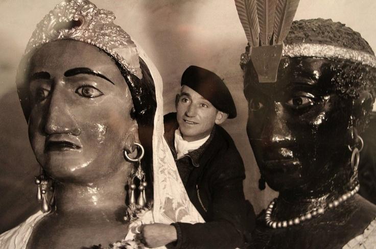 Pedro Trinidad, portador de los gigantes de Pamplona. Hacia 1930. (Zaragüeta fotógrafos)