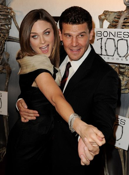 David Boreanaz Photos Photos - Actors Emily Deschanel (L) and David Boreanaz…