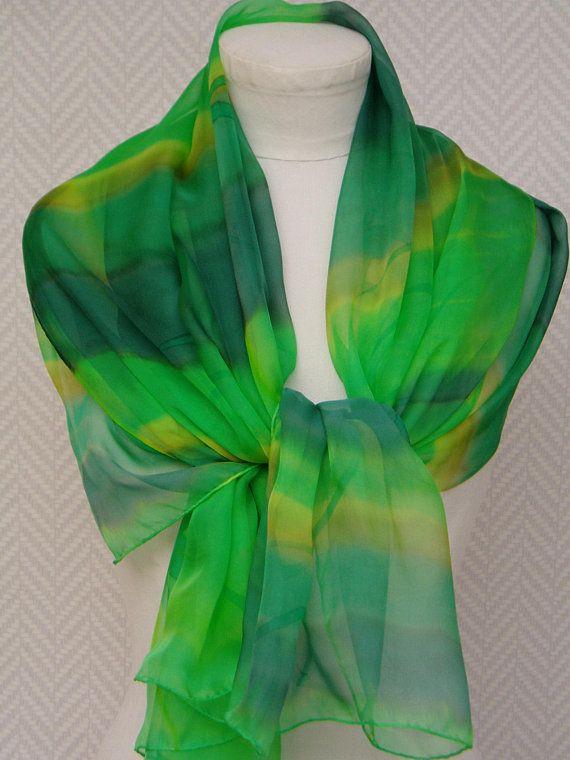 de3ccf0f46f7 Echarpe étole foulard en mousseline de soie vert et jaune   Nouvelles  créations, nouveau site   Pinterest