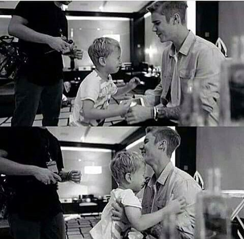 Justin Bieber • Jaxon Bieber • Cute brother moments. Jaxon don't cry Justin will always be there for you.