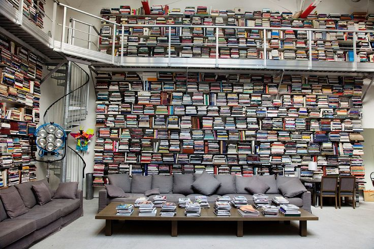 Karl Lagerfeld's library.Dreams Libraries, Home Libraries, Paris Apartments, Karl Lagerfeld, Personalized Libraries, Dreams Room, Book Collection, Karl Lagerfeld, Spirals Staircas