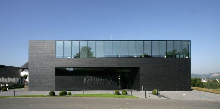 Büro-, Schulungs- und Veranstaltungsgebäude in Mayen - Schiefer - Büro/Verwaltung - baunetzwissen.de