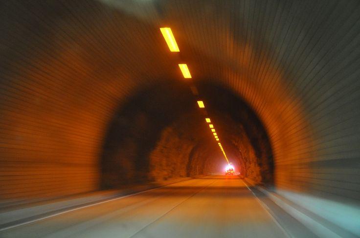 Norsk Konflikt Byraa: Vil gjøre cyanid ampuller tilgjengelige i alle norske tuneller