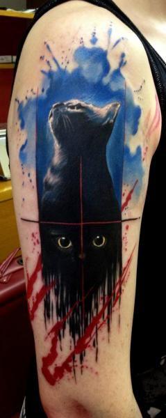 Shoulder Cat Tattoo by Tribo Tattoo #tattoo #ink #cat