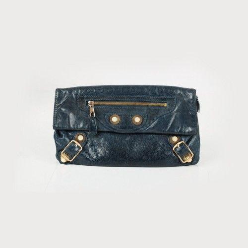 Poșetă plic Balenciaga, din piele, cu detalii aurii piele de miel, 30 x 18 cm Preţ de pornire: € 550