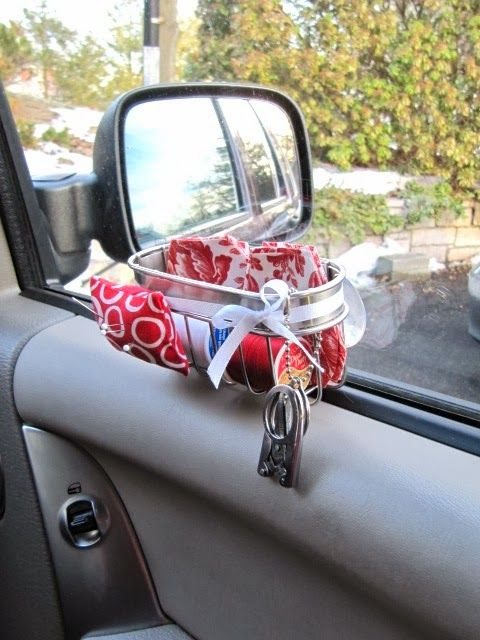 Suction Cup Sewing Caddy http://sewmanyways.blogspot.com/2014/02/suction-cup-sponge-holderto-car-sewing.html