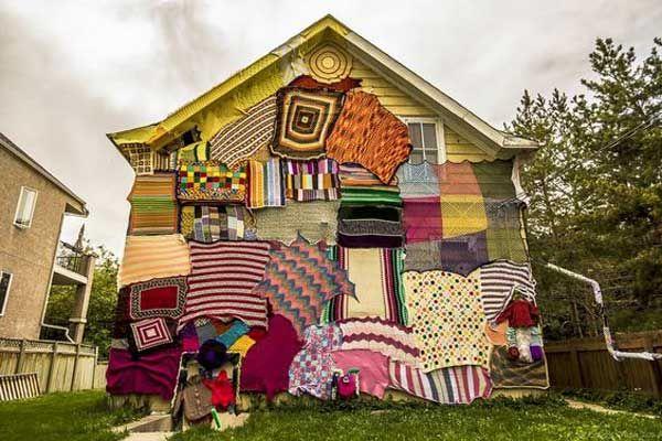 Sanatlı Bi Blog Kamusal Alanları Örgü İplikleriyle Bombalayan Sokak Sanatı: 'Yarn Bombing' 33