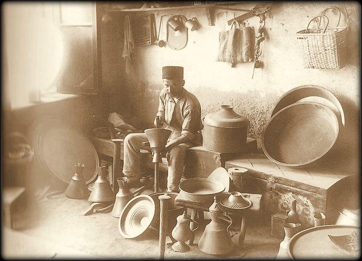 Tatars.Crimea Tatars. Мастер медник