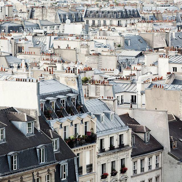| ♕ | Sous le ciel de Paris | by © Irene Suchocki | via ysvoice