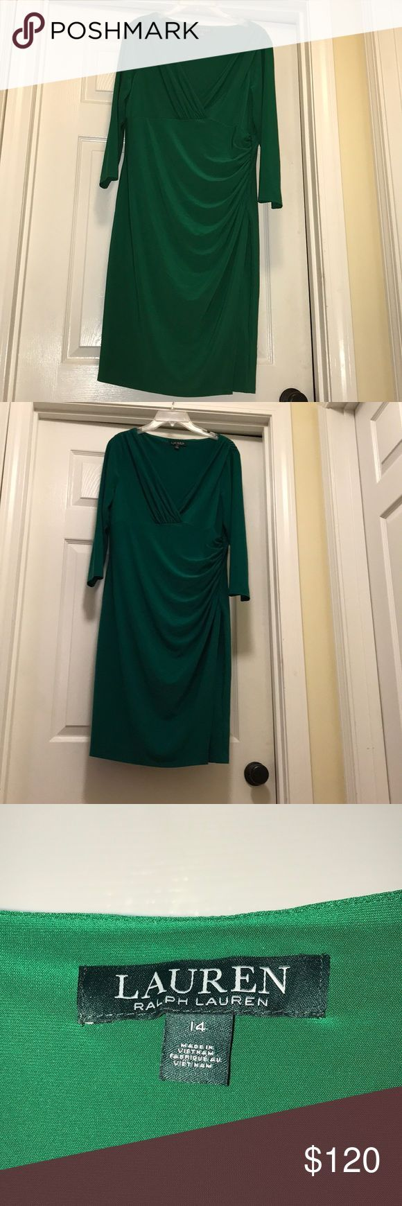 Ralph Lauren Beautiful Silky Stretch Dress Condition is NWOT. Worn once for an h…