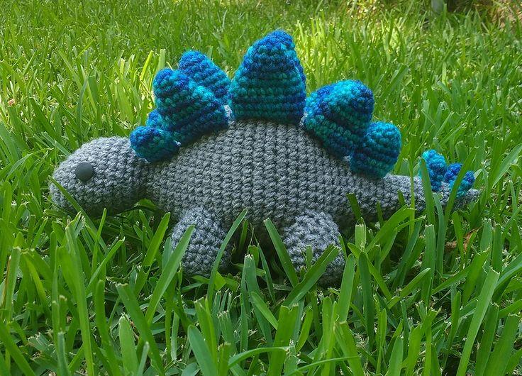loopyyarn | Stegosaurus