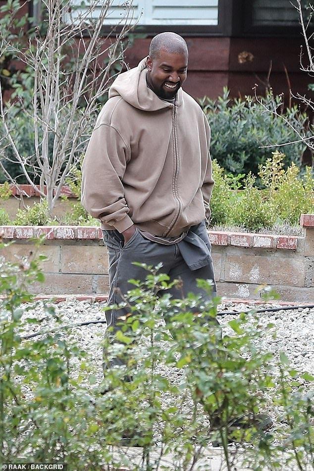 Kanye West Carries Sleepy North To Sunday Service With Kim Kardashian Kanye West Songs Kanye West Kanye