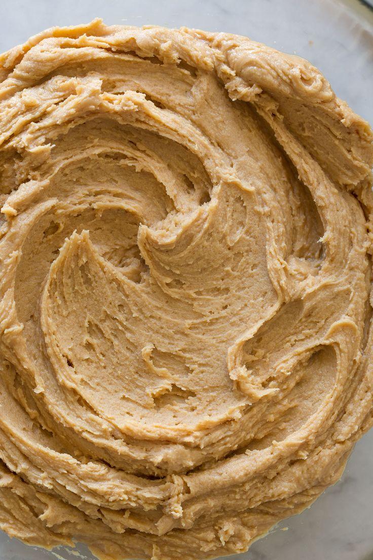 Simple Peanut Butter Buttercream Frosting Recipe ~ fabulous!