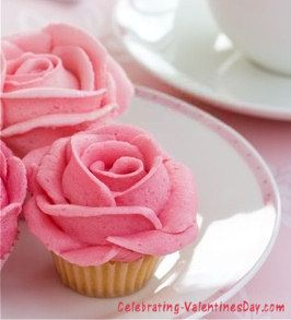 Rose Valentine Cupcakes   Valentineu0027s Day Cupcake Decorating Ideas