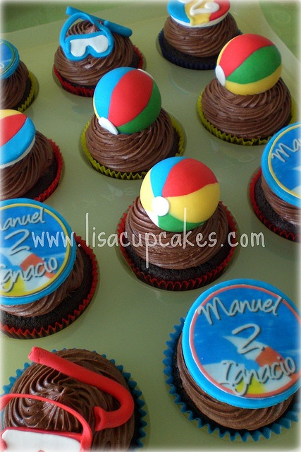Beach themed cupcakes!