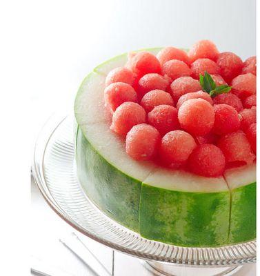 Pretty watermelon presentation idea.