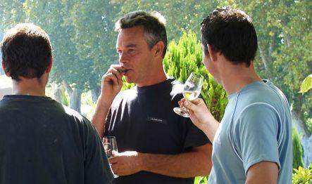 Le chateau pesquie est un domaine familial regroupant trois generations de vignerons au pied du Mont Ventoux, dans le sud de la Valle du Rhone.