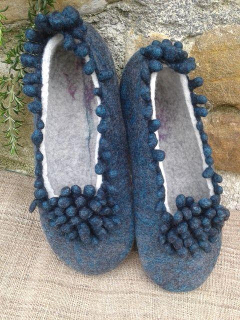 Handmade felted slippers, 90% extrafine merino wool, 10% silk. Zapatillas de…