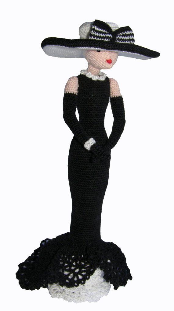 Panno arte bambola, bambola di pezza a maglia, nero bambola bianco decorativo, idea regalo per la ragazza e la mamma, ooak amigurumi bambola, bambola di stile retrò di ViDollStudio