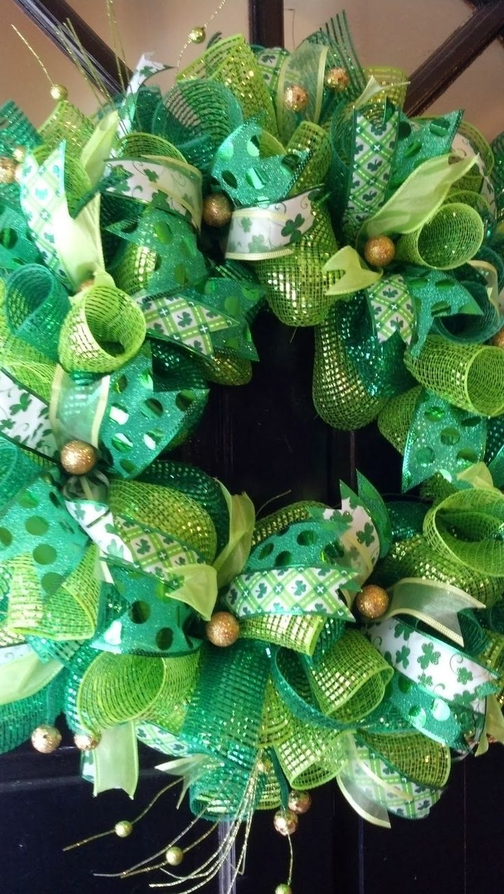 I have fallen in LOVE with dove tail ribbons on my wreaths