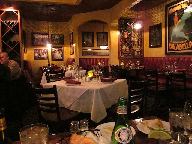 Best 25+ Italian restaurant decor ideas only on Pinterest ...