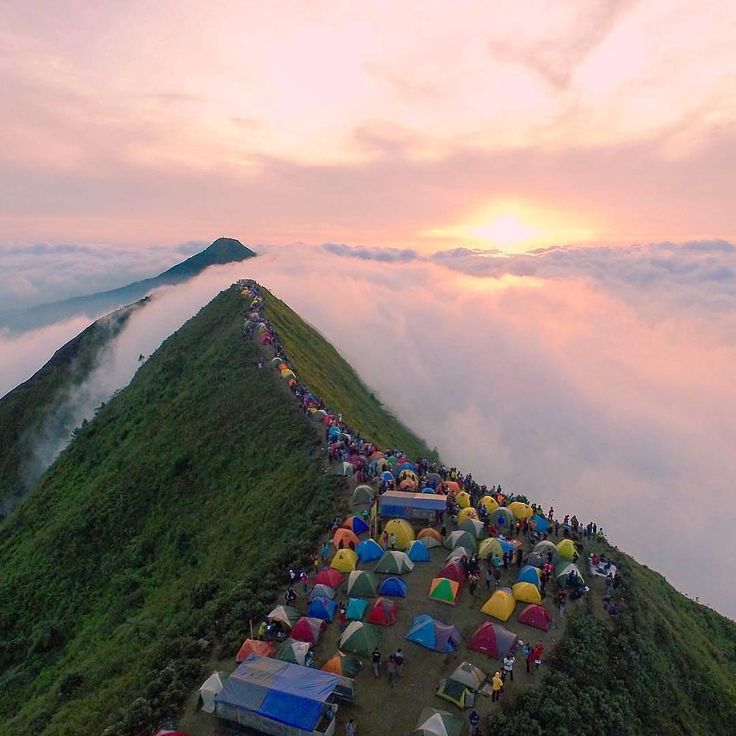 Enjoy the beautiful #sunrise at Mount #Andong, Central Java, #Indonesia  Photo by: IG @wizdan_inst