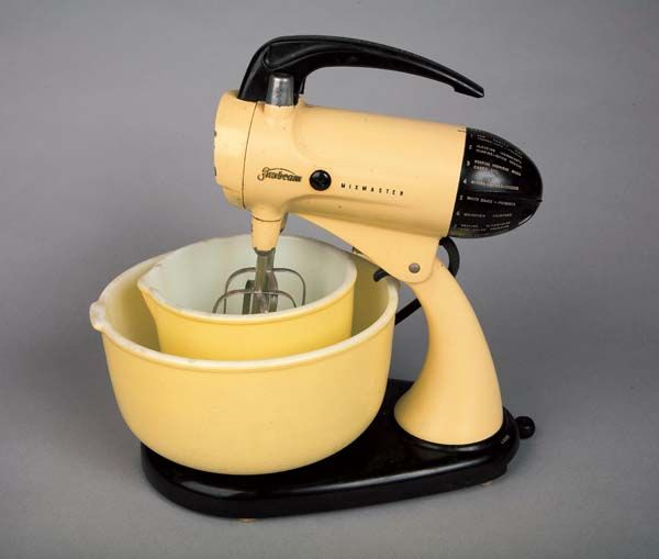 vintage yellow sunbeam mixmaster stand mixer w original bowls (w/2 beaters)