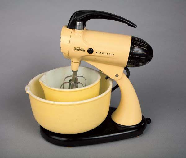 vintage yellow sunbeam mixmaster stand mixer w original bowls (w/2 beaters)