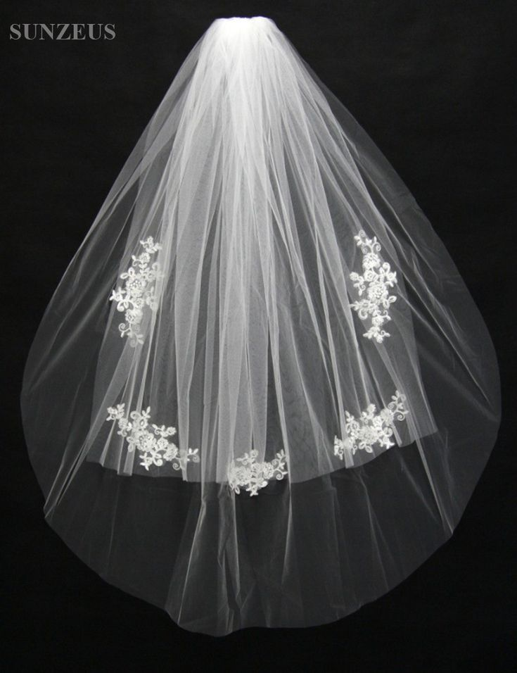 Two Layers Short Bridal Veil with Lace Appliques Cute Cheap Short Wedding Veil with Comb velos para novia