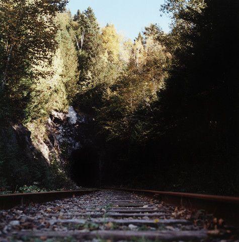Un tunnel sans train - A tunnel without a train - mlheureuxroy