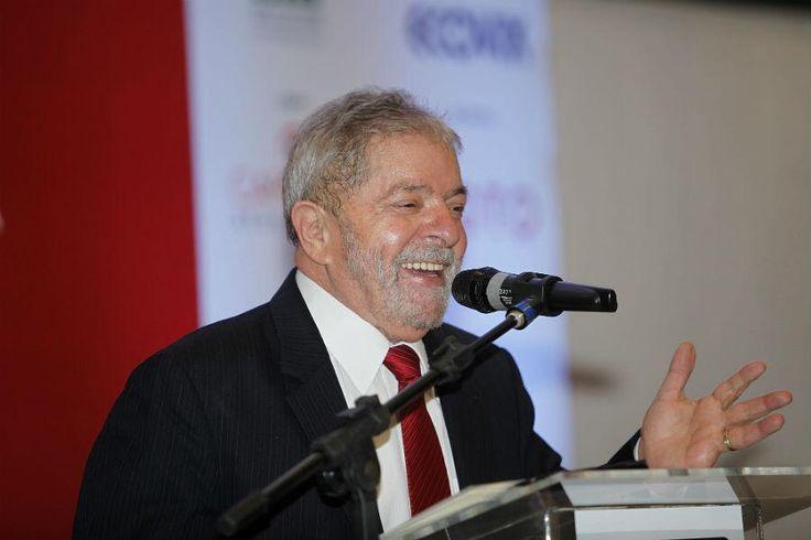 """Lula: """"Comparo os 11 anos do nosso governo com qualquer época do nosso país"""" - http://www.macroabc.com.br/lula-comparo-os-11-anos-do-nosso-governo-com-qualquer-epoca-do-nosso-pais/… pic.twitter.com/CZjuSXY5dE"""