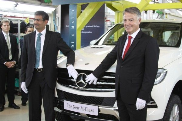 Mercedes Benz India announced the launch of their new SUV, the M Class 250 CDI, at a launch price of Rs 45.64 lakhs, ex-showroom, Pune, earlier today. Powered by a 2143 cc diesel engine generating 151.5 kW @ 4200 rpm and 500 Nm torque @ 1600-1800 rpm, thank to the 7G TRONIC Plus automatic transmission. Mercedes Benz India states that the new ML250 CDI has a top speed of 210 kmph and an acceleration time of 9 seconds for 0-100 kmph. New Mercedes Benz ML ..