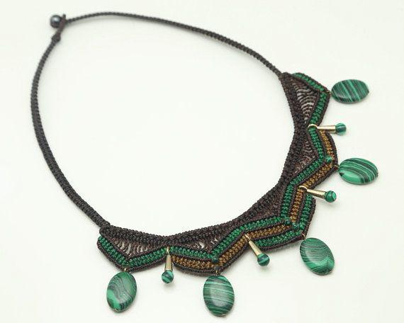 Collar de Macramé en hilo encerado marrón verde y por LabrinDesign