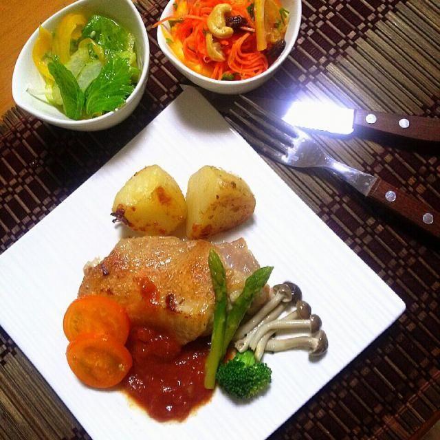 幾度と作らせて頂いてるマリネ♪今日は美生柑で ♡ たっぷり作ったので 明日も楽しみ (´,,•ω•,,)♡一晩置くと もっと味が馴染んで美味しいんだよね~~(*≧∀≦*)♪ ゆかりさん 今宵もご馳走様です ♡  ★鶏もも肉   トマト&アンチョビソース ★キャロットラペ ★セロリ&パプリカのマリネ - 84件のもぐもぐ - ゆかりさんのキャロットラペ☆ by 0614yu