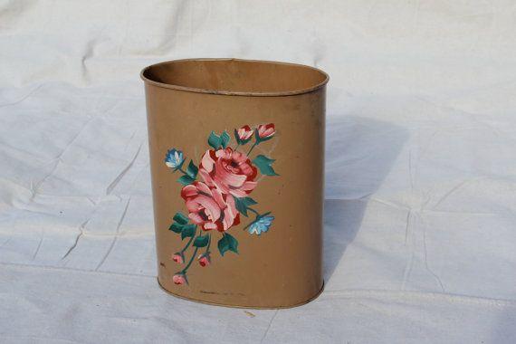 290 best very vtg kitchen trash cans images on pinterest basket vintage metal and vintage tins - Shabby chic wastebasket ...