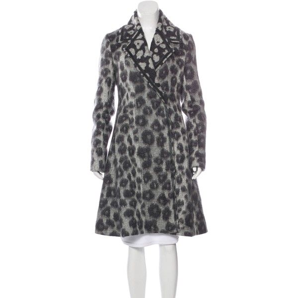 Pre-owned C?line Virgin Wool-Blend Swing Coat ($1,095) ❤ liked on Polyvore featuring outerwear, coats, animal print, animal print coat, leopard swing coat, leopard print swing coat, trapeze coat and leopard print coat