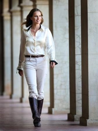 One of the most gorgeous women in horse racing