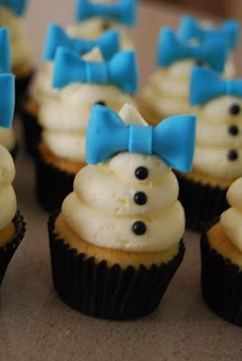 little man cupcakes @Kelly Teske Goldsworthy Teske Goldsworthy Teske Goldsworthy Hevey Can I make these for Cammy's birthday!!??