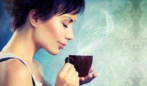 Ученые рассказали о полезных свойствах кофе для здоровья. Любители кофе, можете радоваться! По мнению ученых, чашка этого напитка может подарить вам не только заряд энергии: кофе также помогает предотвратить развитие ухудшения зрения и слепоты вследствие дегенерации сетчатки, возникающей при глаукоме, диабете и старении.