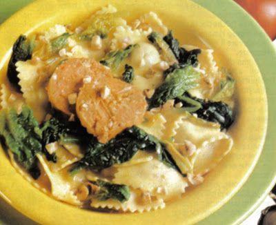 Ravioli di pollo e spinaci con burro alle nocciole