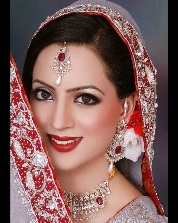 30 Best Images About Beauty Salons In Pakistan On Pinterest | Indian Bridal Makeup Saree And ...