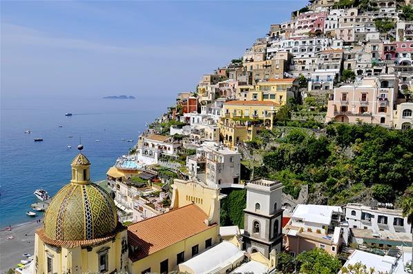 Romantika Pantai Amalfi di Italia