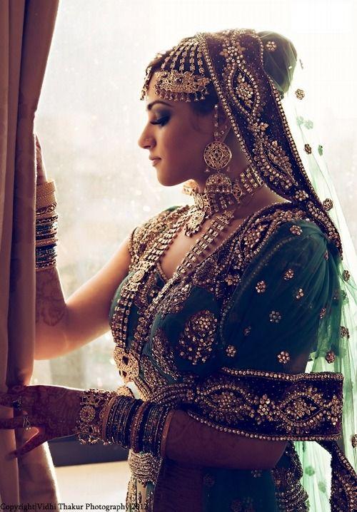 bride dulhan wedding day side profile
