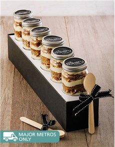 Cakes and Cupcakes - Cupcake Jars: 6 Classsic Carrot Cupcakes in a Jar!