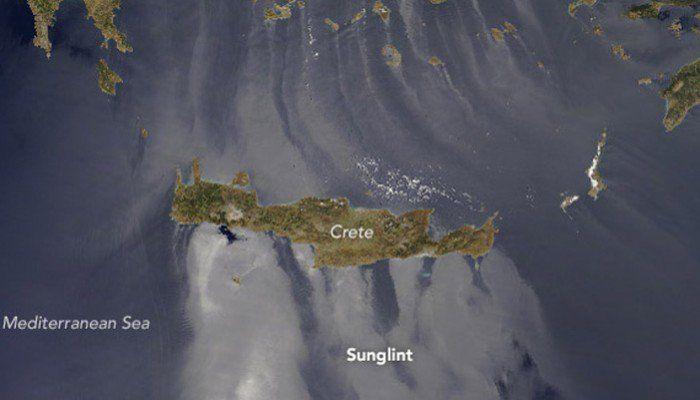 Ο διαστημικός σταθμός της ΝΑSA απαθανάτισε την εικόνα του φαινομένου sunglint στα νερά γύρω από την Κρήτη και τα νησιά του Αιγαίου