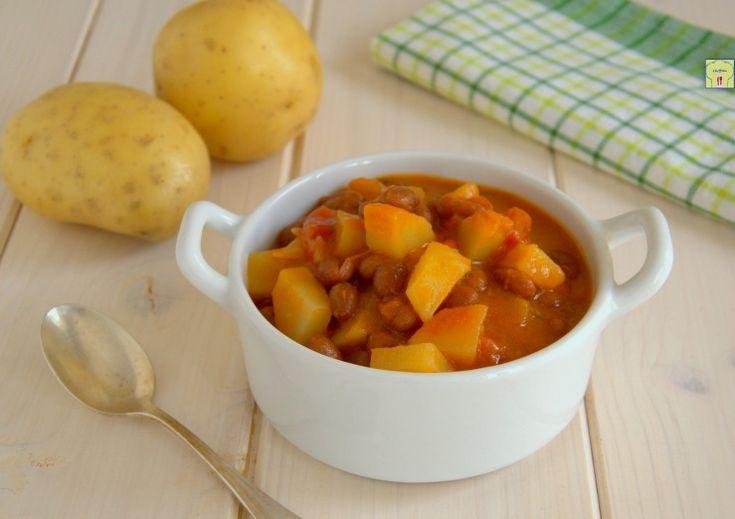 La zuppa di fagioli e patate è un delizioso piatto caldo e confortante, perfetto come primo o piatto unico per scaldarsi nelle giornate più fredde.
