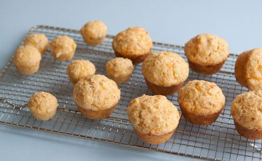 Savour Cheddar-Cornmeal Muffins  Uses Epicure's Cheese Chive & Bacon Dip mix