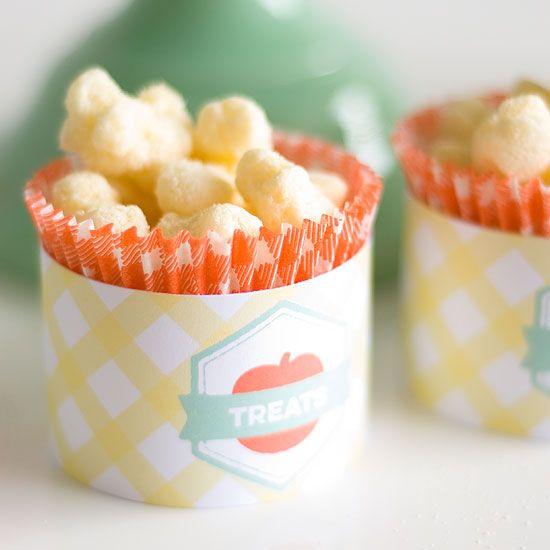 Boa ideia: dá pra colocar uma variedade enorme de guloseimas nas forminhas de cupcake como pipoca, amendoim, balinhas...